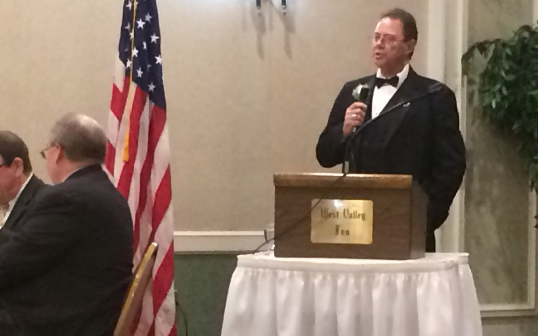 Wor. Steve Waxman addresses his lodge at Harmony's Annual Banquet